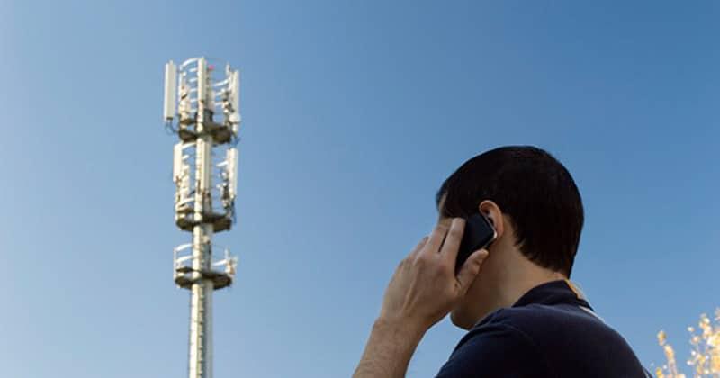 سیگنال تلفن همراه